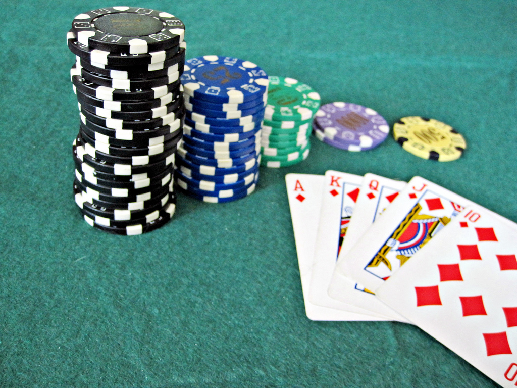 Objectives regarding enjoying texas holdem on the internet