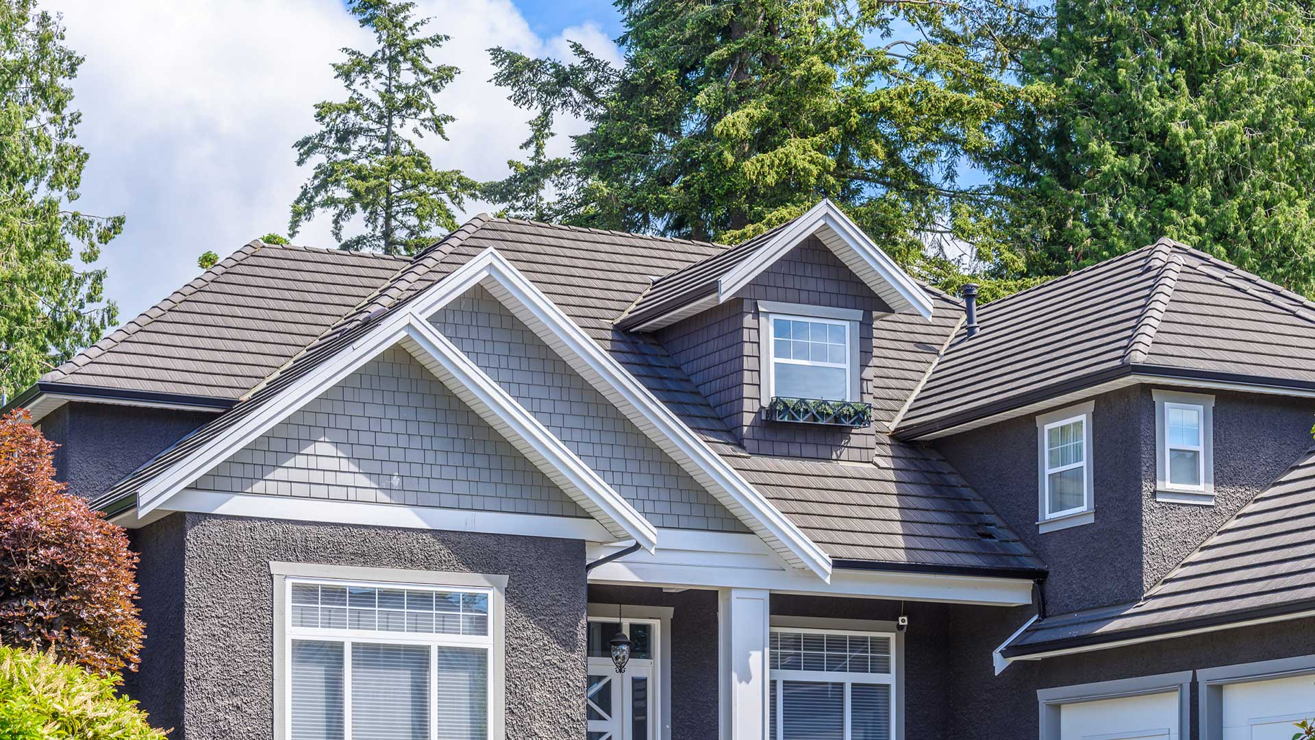 Help From The Best Roof Repairs Company!