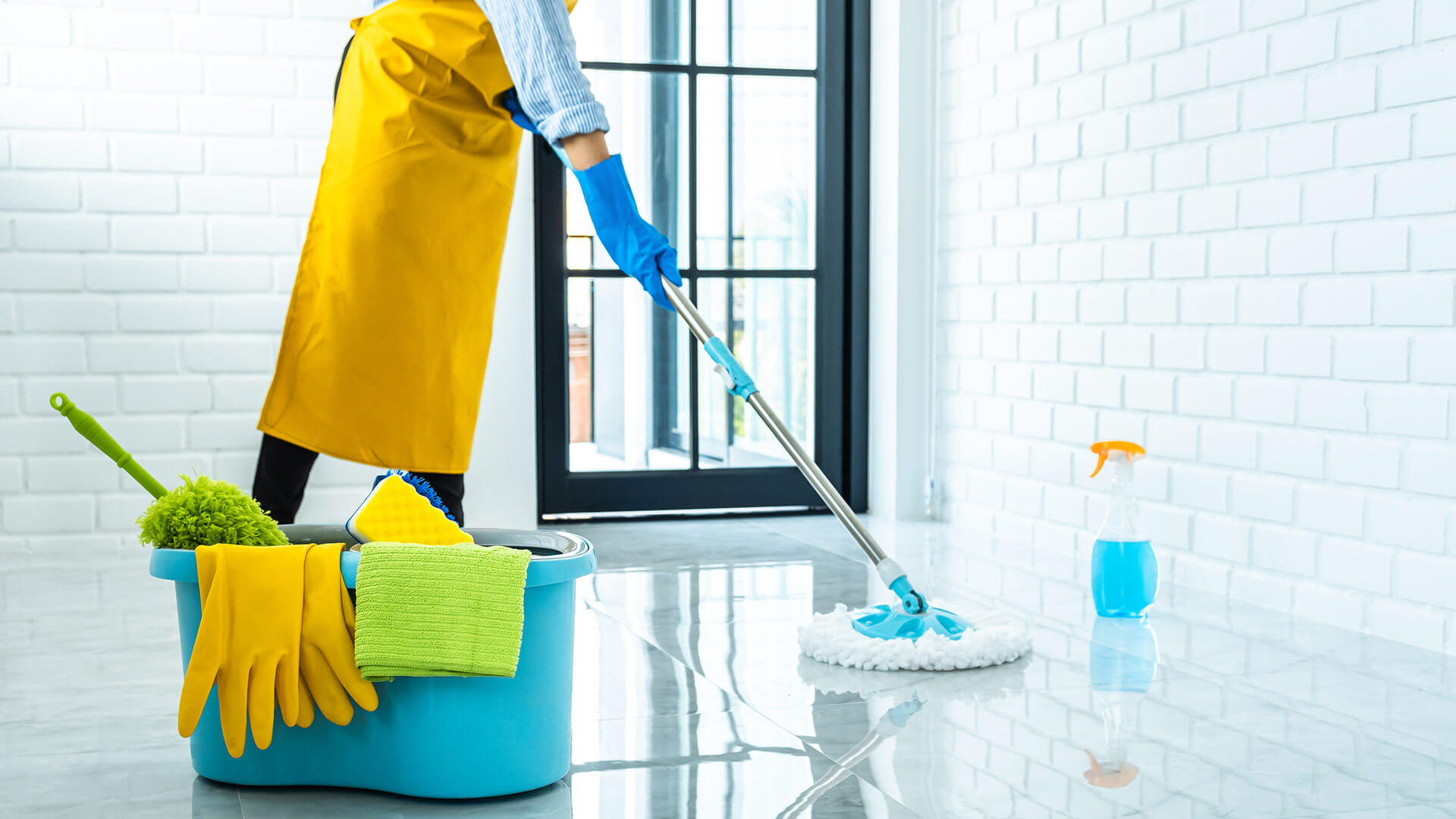 How do you find a good cleaning company (entreprise de nettoyage) that meets your needs?